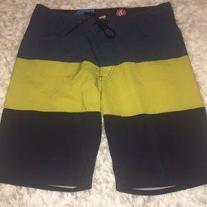 Volcom Board Shorts Size 28